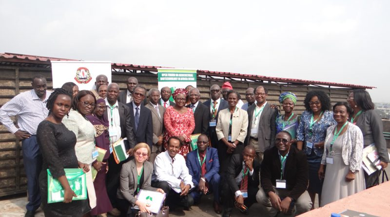 Group picture with participants of the Genetically Modified Organisms (GMO) stakeholders meeting